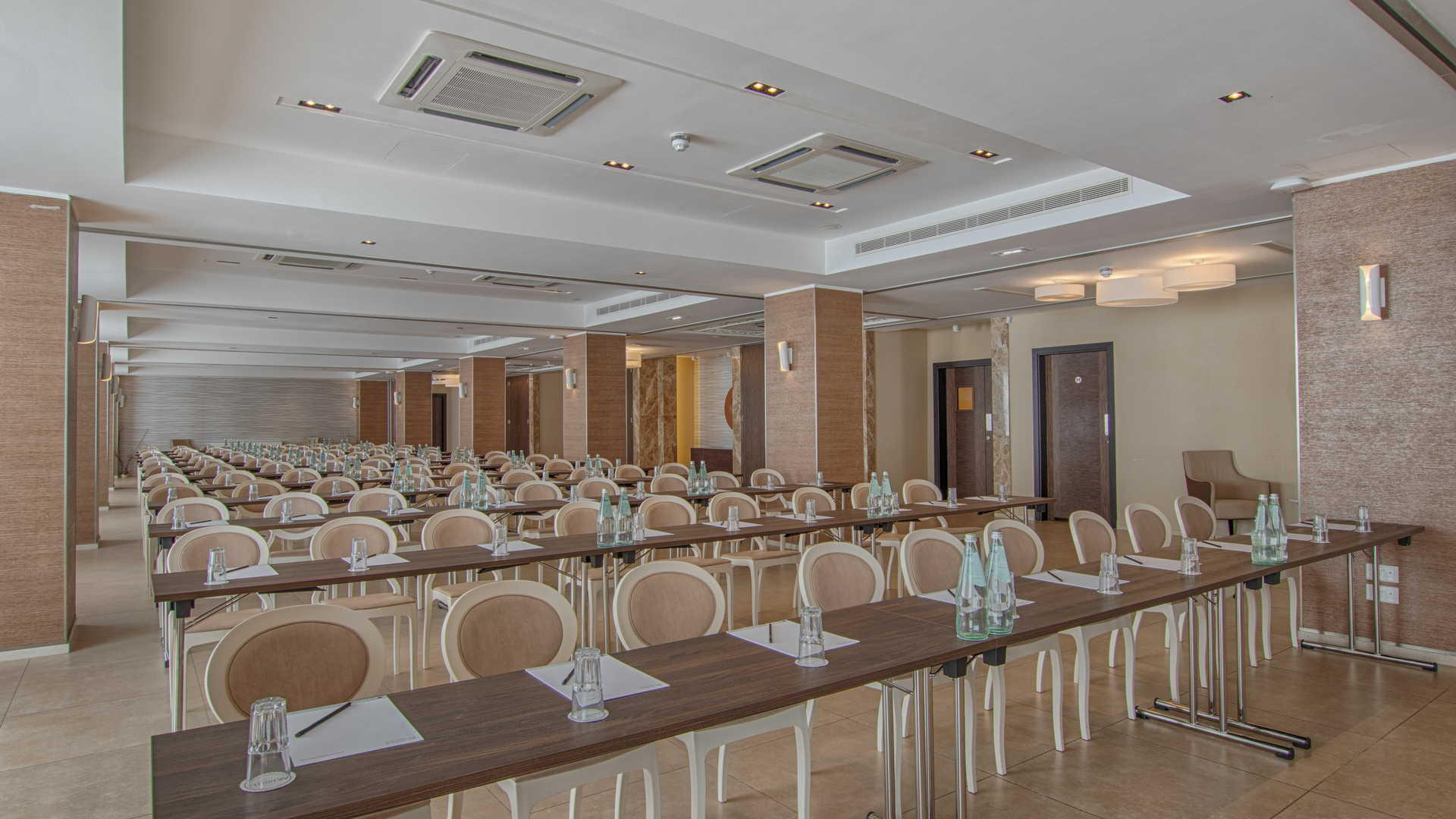 Luzzu Conference Class Room