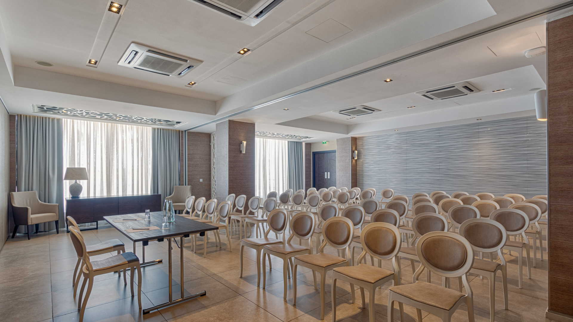 Luzzu Meeting Room Theatre