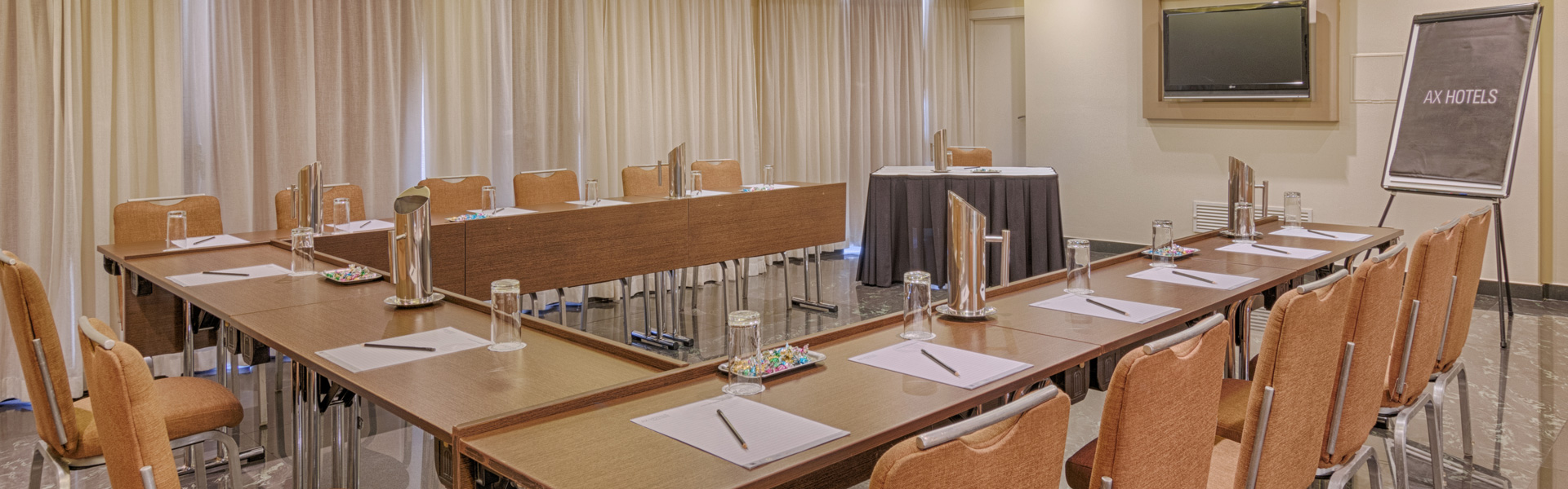 AX The Palace - Executive Lounge